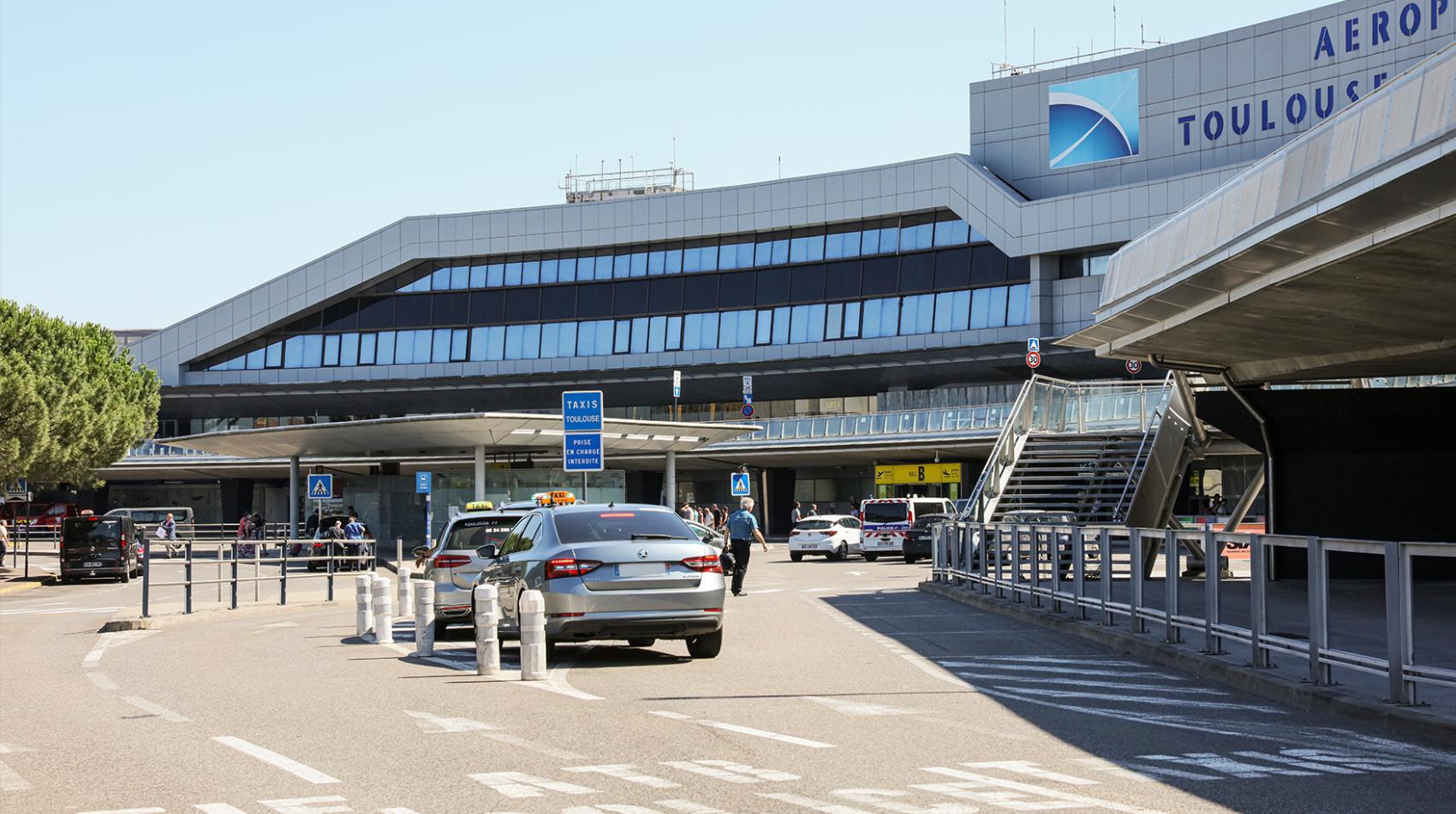 Service De Taxi A L Aeroport Aeroport Toulouse Blagnac